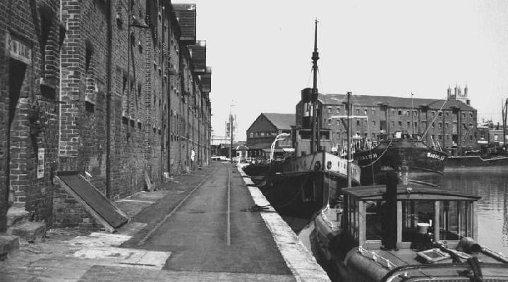 Quay Gloucester Dock, west side from dry dock, looking north