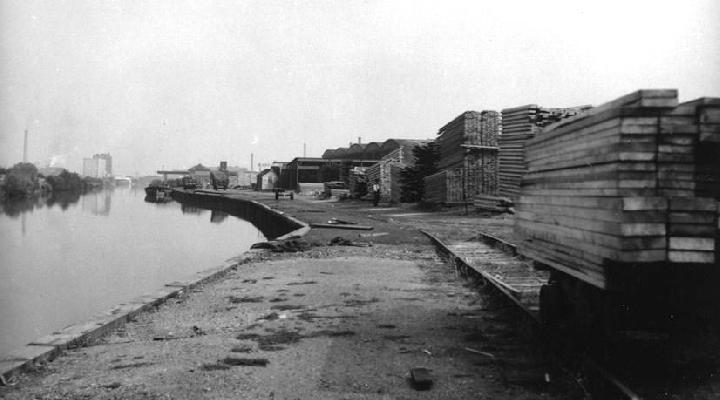 Quay at Nick's & Co. yard, Canada Wharf