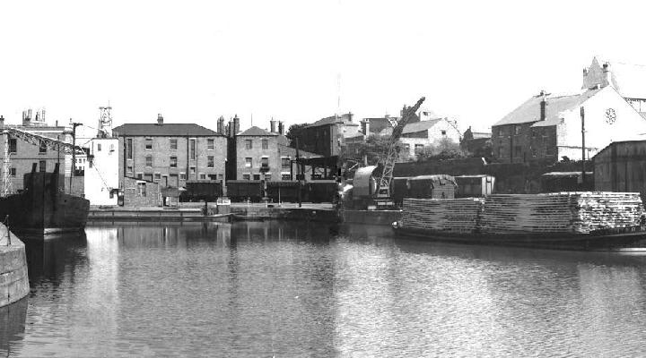Victoria Dock, north end from the entrance